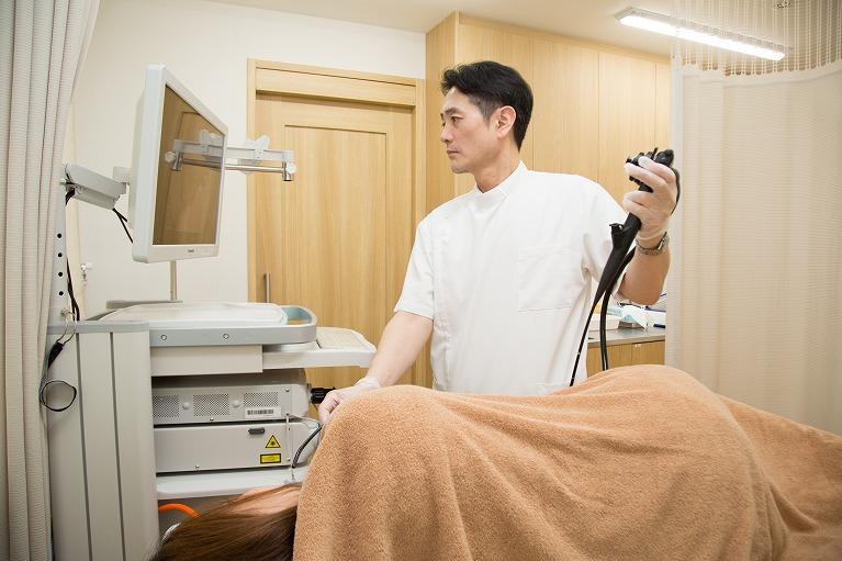 院長による胃カメラ検査|神戸で胃カメラ検査を行う岩永メディカルクリニック